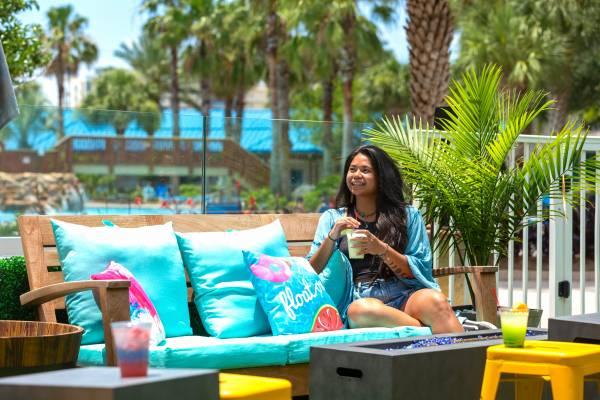 Compass Resorts The Palms of Destin Good Vibes Bar