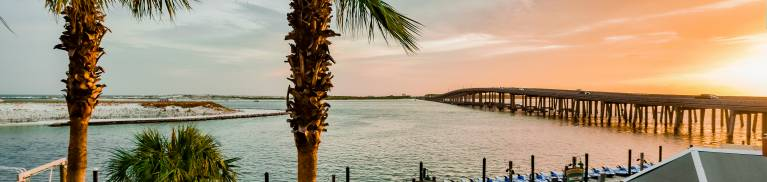 7 Ways to Live Like a Local This Fall Blog Post Compass Resorts The Palms of Destin Resort & Conference Center
